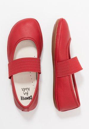 RIGHT KIDS - Baleríny s páskem - red
