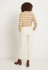TOM TAILOR DENIM - CIGARETTE CORDUROY PANTS - Trousers - soft creme beige - 3