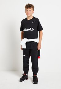 Nike Sportswear - AIR TEE - Print T-shirt - black - 1