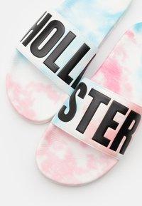 Hollister Co. - Matalakantaiset pistokkaat - white/multicolor - 5