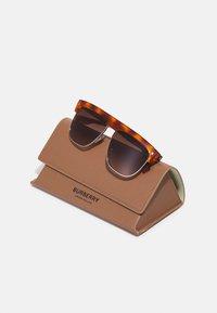 Burberry - UNISEX - Sunglasses - light havana - 3