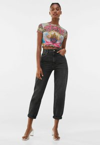 Bershka - MOM FIT - Relaxed fit jeans - dark grey - 1