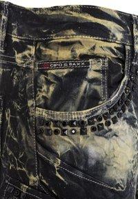 Cipo & Baxx - COOLER WASCHUNG UND ZIERNÄHTEN - Straight leg jeans - khaki - 7