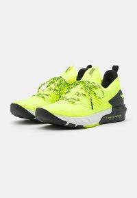 Under Armour - PROJECT ROCK 3 - Zapatillas de entrenamiento - high-vis yellow - 1