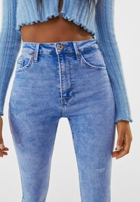 Bershka - SUPER HIGH WAIST - Jeans Skinny Fit - blue - 3