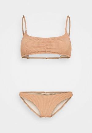 GATHERED FRONT GATHERED BRAZILIAN - Bikini - lion brown crinkle