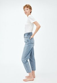 ARMEDANGELS - MAIRAA - Jeans Tapered Fit - faded blue - 3