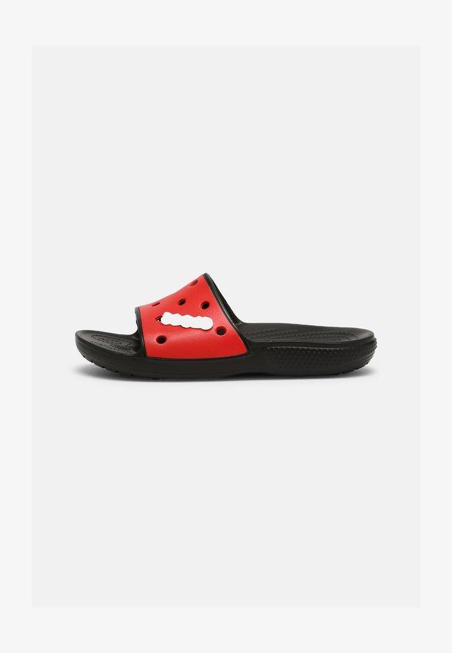 CLASSIC COLORBLOCK SLIDE UNISEX - Sandały kąpielowe - black/red