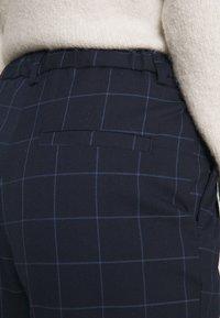 Monki - Trousers - simple grid - 4