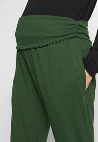 Cotton On Body - DROP CROTCH STUDIO PANT - Pantalones deportivos - khaki - 3