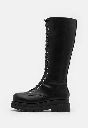 VEGAN  - Plateaustøvler - black
