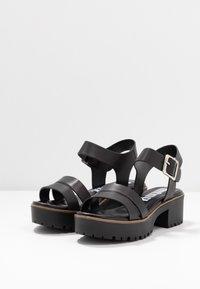 mtng - PLEXY - Sandály na platformě - black - 4