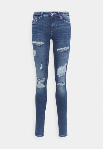 ONLCARMEN LIFE  - Jeans Skinny Fit - medium blue denim
