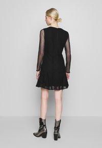 Stevie May - GALLERY MINI DRESS - Denní šaty - black - 2
