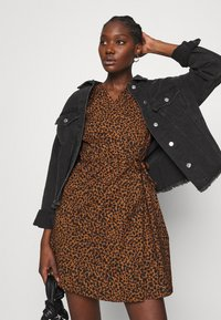 Madewell - WRAP DRESS IN LEOPARD - Day dress - brown - 3