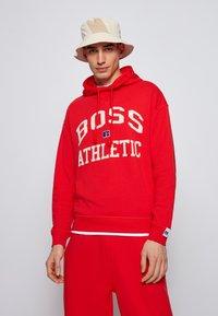 BOSS - Hoodie - red - 0