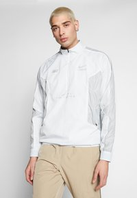 Nike Sportswear - TOP - Windbreaker - pure platinum/light smoke grey - 0