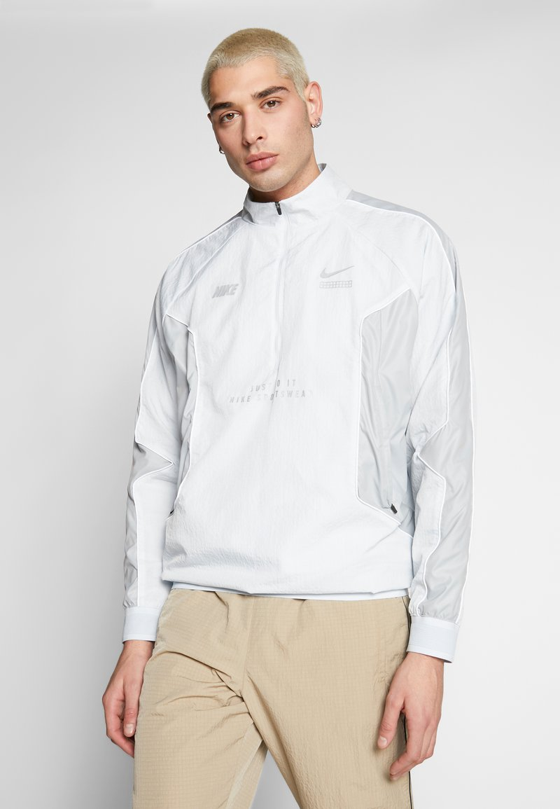 Nike Sportswear - TOP - Windbreaker - pure platinum/light smoke grey