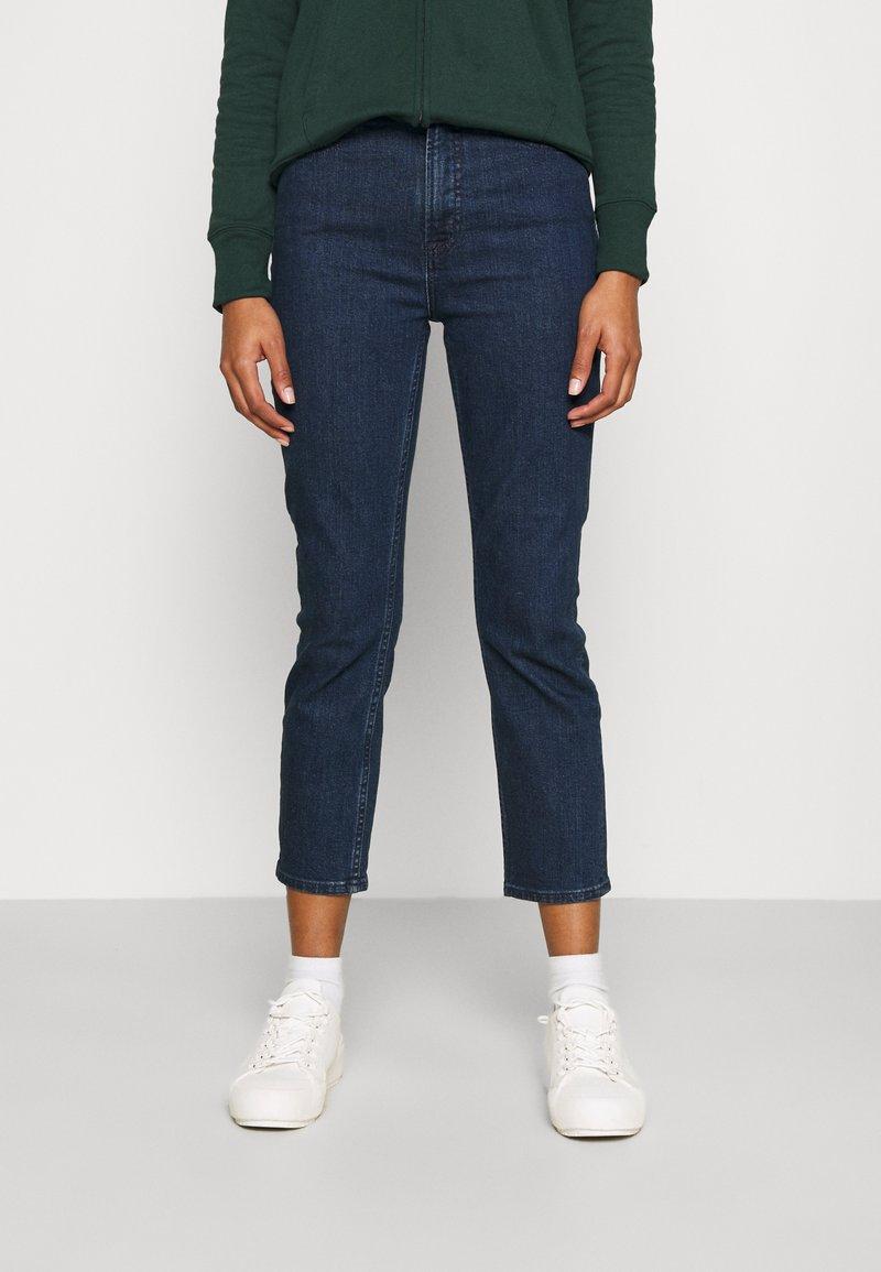 GAP - CIGARETTE RYDALE - Slim fit jeans - dark indigo