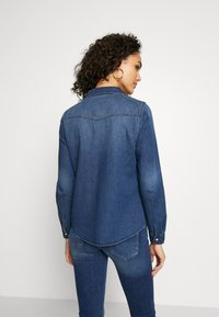Vero Moda - VMMARIA SLIM  - Button-down blouse - medium blue denim - 2