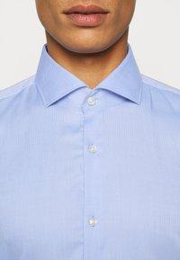 HUGO - KASON - Formal shirt - light pastel blue - 5