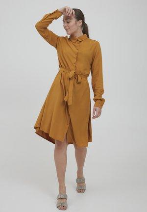 IHMAIN - Košilové šaty - sudan brown