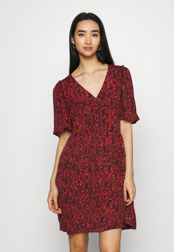 PRINTED DRESS WITH FITTED WAIST