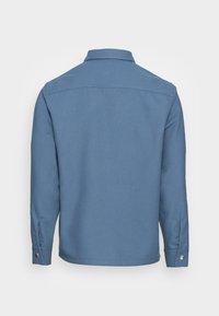 sandro - OVERSHIRT - Shirt - gris bleuté - 1