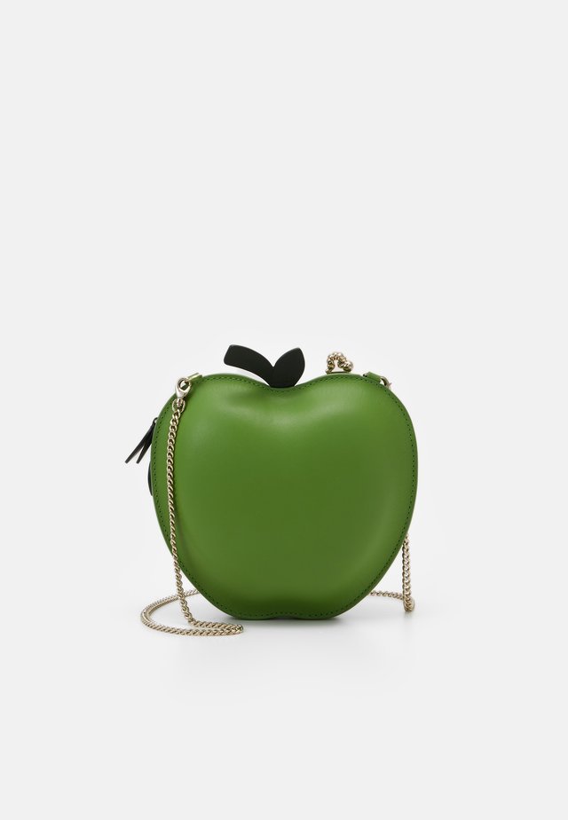 PICNIC APPLE CROSSBODY - Skuldertasker - banana leaf