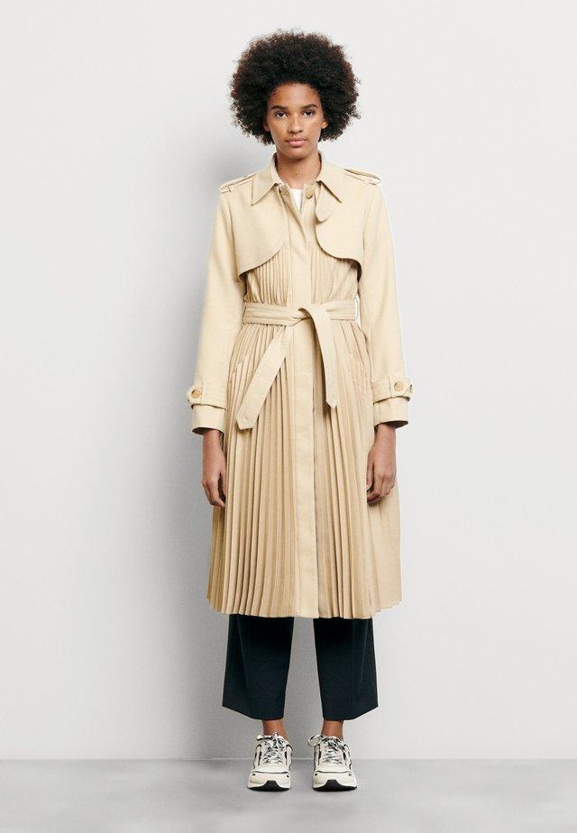 VINO - Trenchcoat - beige