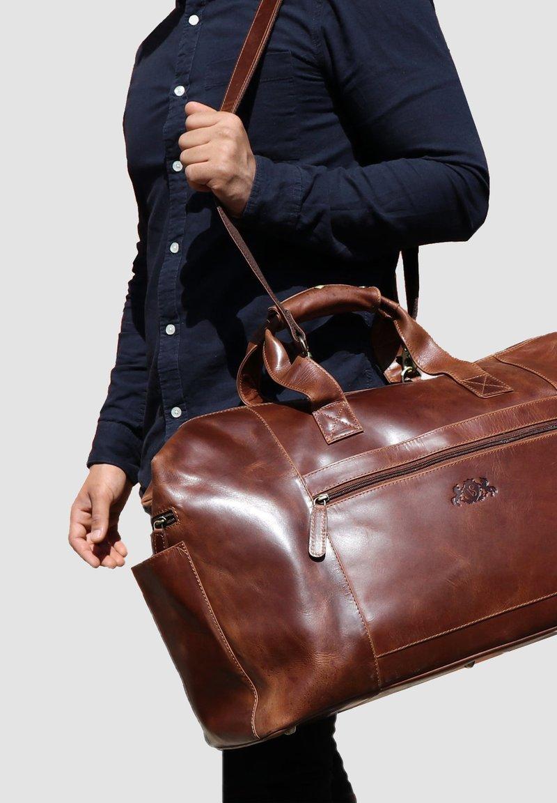 SID & VAIN - BRISTOL - Weekend bag - braun/cognac