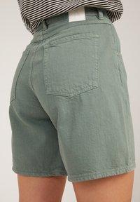 ARMEDANGELS - FREYMAA UNDYED - Shorts - eucalyptus green - 3