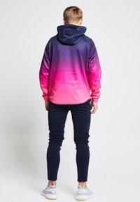 SIKSILK - ILLUSIVE LONDON JUNIORS  - Zip-up hoodie - navy/neon pink - 2