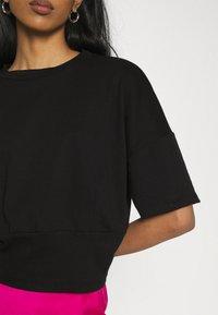 Trendyol - Print T-shirt - black - 5