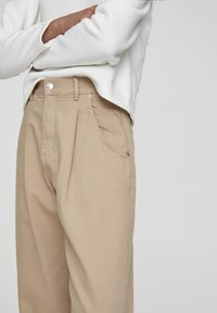 PULL&BEAR - SLOUCHY - Jeans Relaxed Fit - brown - 3