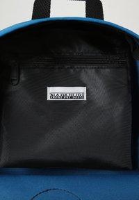 Napapijri - VOYAGE MINI - Rucksack - mykonos blue - 5