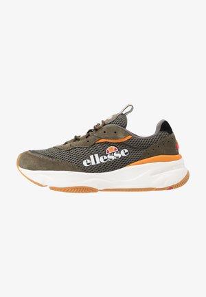 MASSELLO - Sneaker low - dark green/orage/white