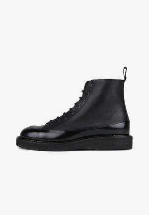 TEDIQ CREPE LACE UP BOOT  - Lace-up ankle boots - black