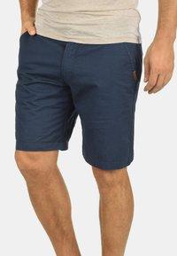 Solid - CHINOSHORTS THEMENT - Shorts - insignia b - 0