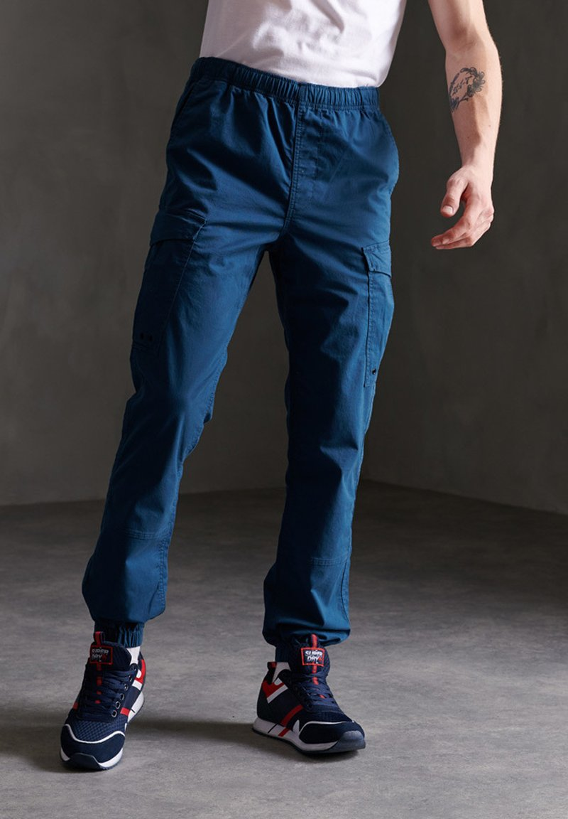 Superdry - Cargo trousers - bayside navy