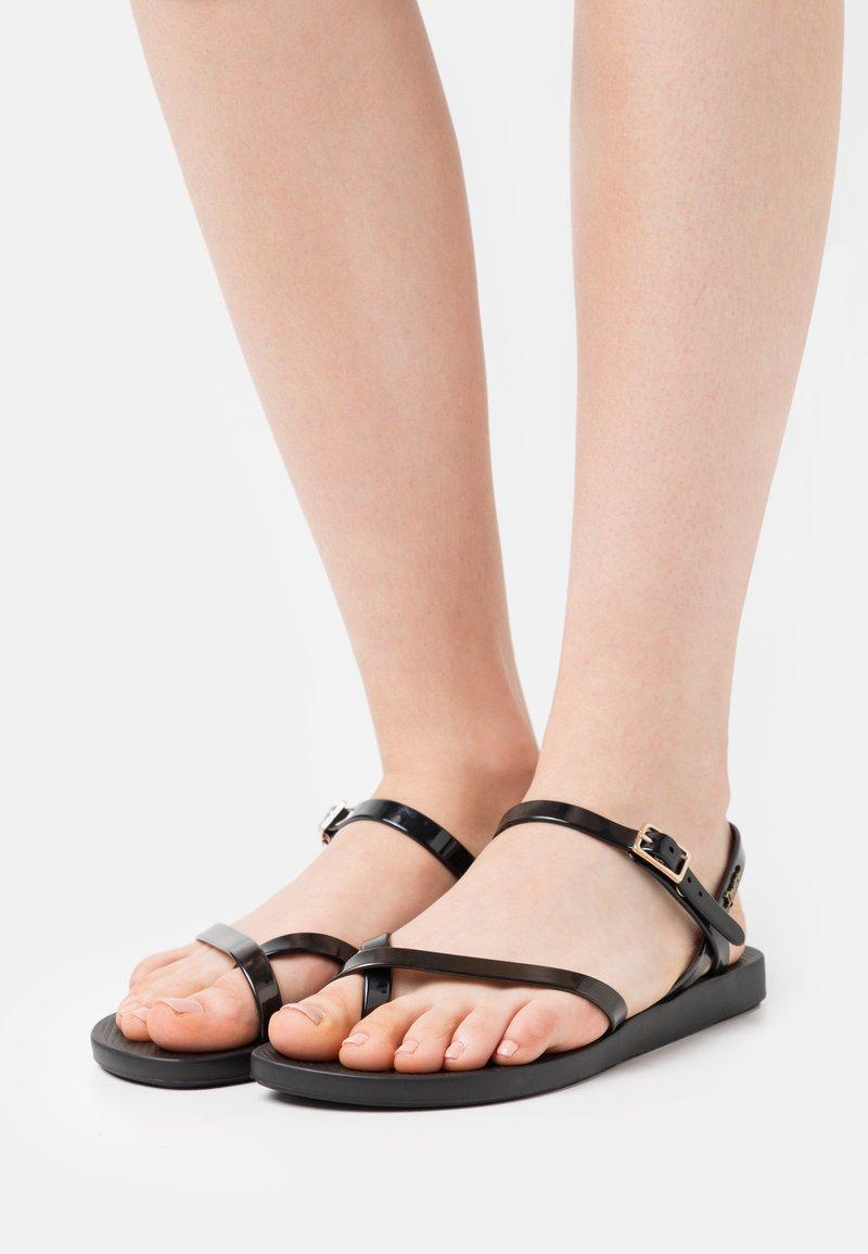 Ipanema - FASHION  - T-bar sandals - black/gold