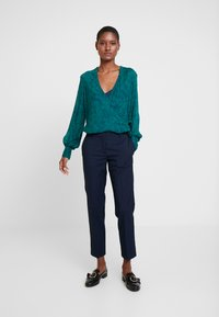 And Less - ALCRISTIE PANTS - Chinot - blue nights - 2