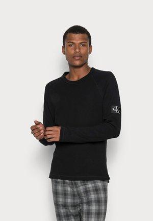 WAFFLE MONOGRAM SLEEVE SLIM - Maglietta a manica lunga - black