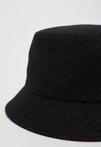 Calvin Klein - MONO BLEND BUCKET - Hatt - black - 2