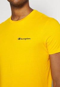 Champion - CREWNECK - T-shirts basic - yellow - 4