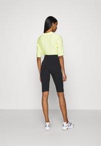 Nike Sportswear - KNEE - Shorts - black - 2