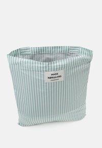 Mads Nørgaard - SACKY ATOMA - Bolso shopping - white alyssum/aqua - 2