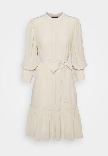 LILLIE DAISY DRESS - Shirt dress - kit