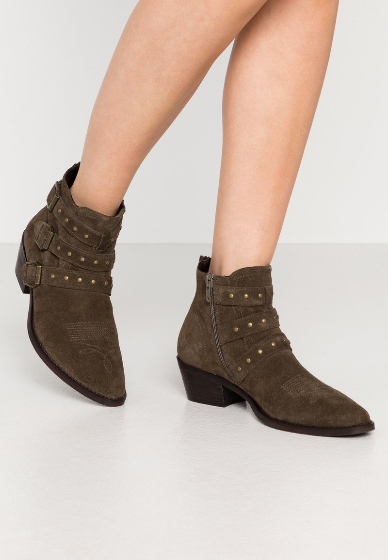 Steven New York - PIPPER - Cowboy/biker ankle boot - dark taupe