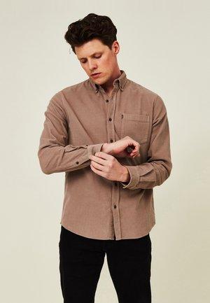 AUGUST - Shirt - brown